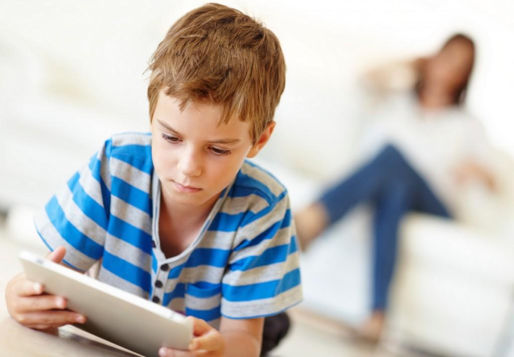 Heliniai balionai, skaitymas balsu ir elektroninė įranga - kokia jų įtaka vaiko raidai ir emocijoms
